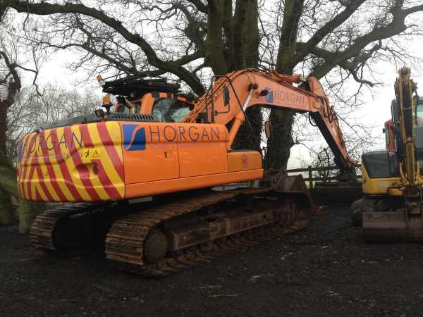 Doosan DX225-LC Excavator
